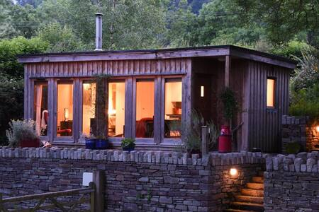 "River Wye Lodge, on ""UK's  most beautiful river"""