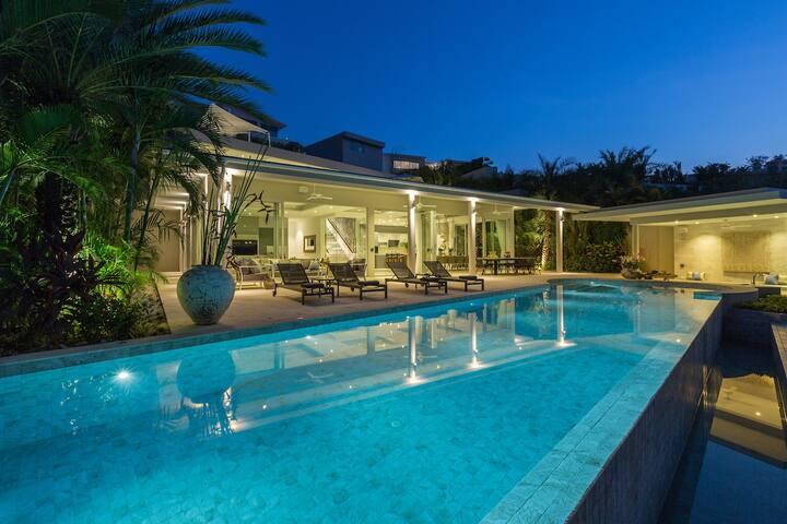 Samui's Most Luxurious 6 Bedroom Private Villa