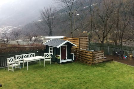 Apartment in a cozy neighbourhood near Trolltunga - Odda