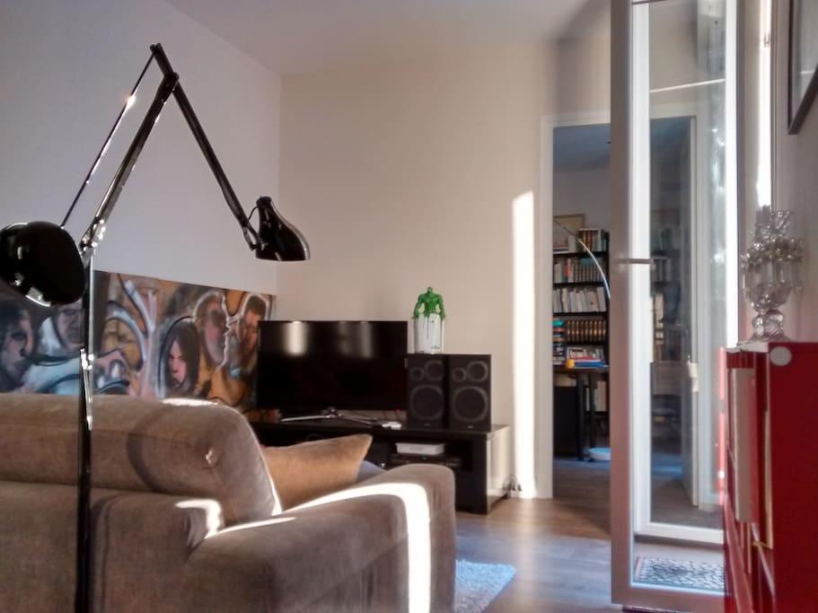 Living room, sound system, flat screen tv