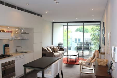 Modern One Bed - Excellent Location