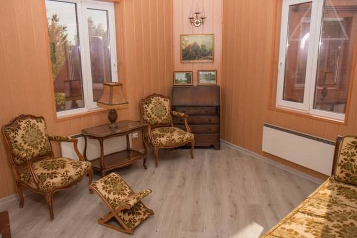Двухкомнатный номер Juliette - gorod Sankt-Peterburg - Penzion (B&B)