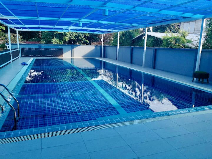Family/3min Skytrain/30min city center/pool/