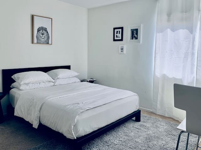Comfort & Convenience by Santa Monica & UCLA