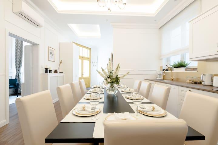Super central, super style A/C apartment + NETFLIX