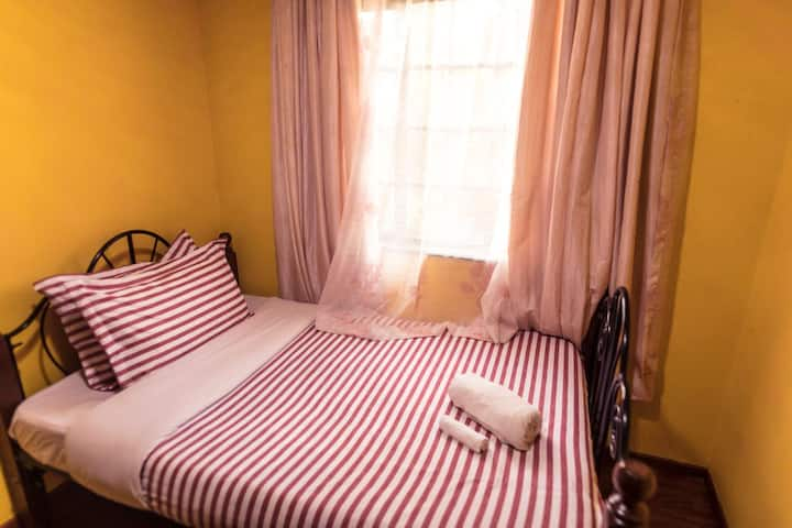 FOURWAYS JUNCTION VILLA - (DOUBLE ROOM)