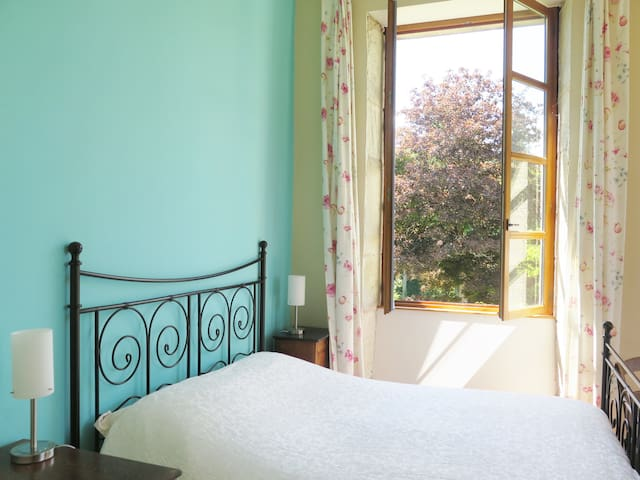 Bedroom with double bed 160X200