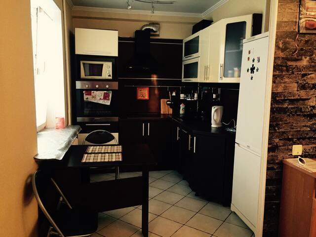 Уютная квартира в центре города - Сургут  - Lägenhet