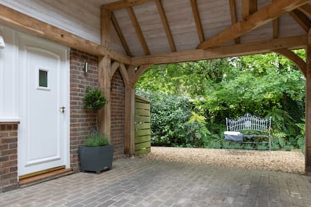 The Annexe at Longacre, near Winchester