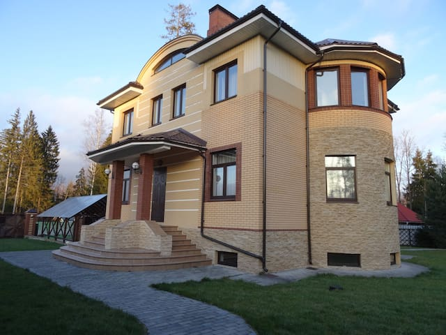 Сдаем Дом + Баня по посуточно - Аметист Киз - 一軒家