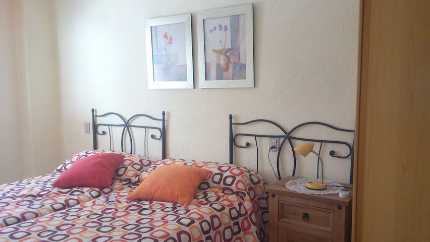 Cosy room 10 min away from festival area and beach - Benicàssim - Huoneisto