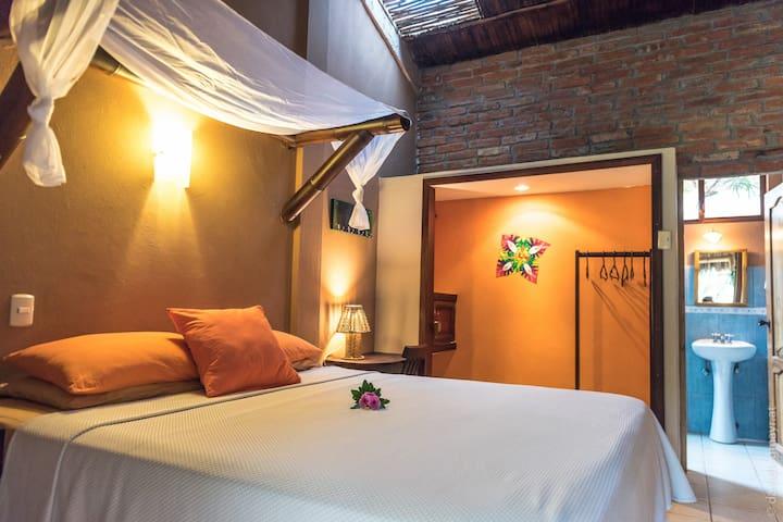 Ayampe Matrimonial Queen Room- La Buena Vida