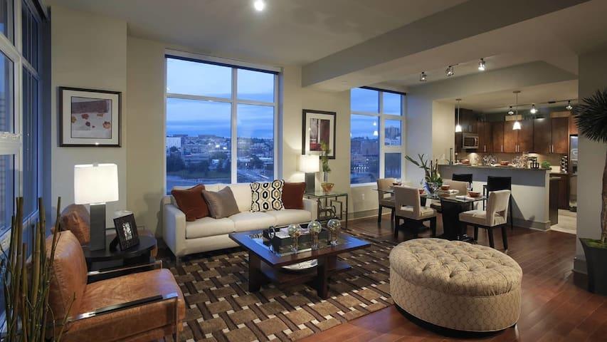 Luxury 2BD suite with exquisite hardwood flooring