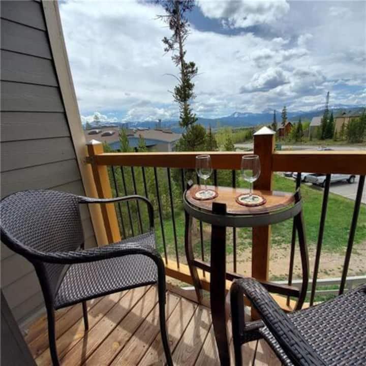 Silverthorne Mountain Retreat Condo at Treehouse