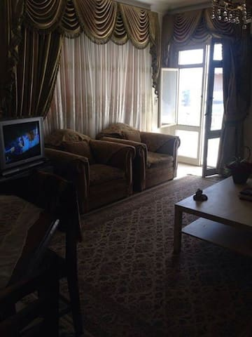 Nice room in a lovely apartment Maadi