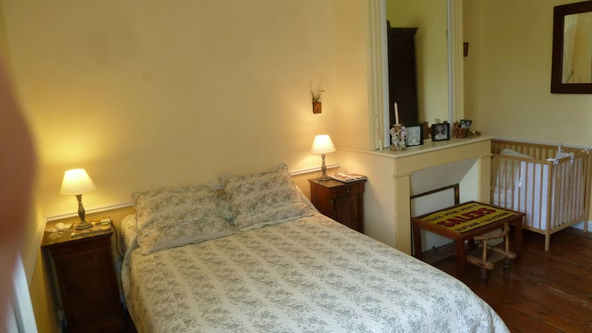 Chambre double au bord du canal. Breakfast inclus - Fontet - Bed & Breakfast