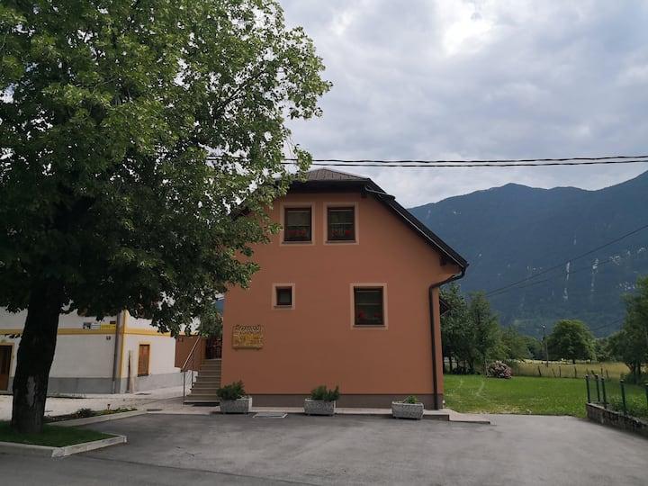 Apartments Kuglnovi - Čukla