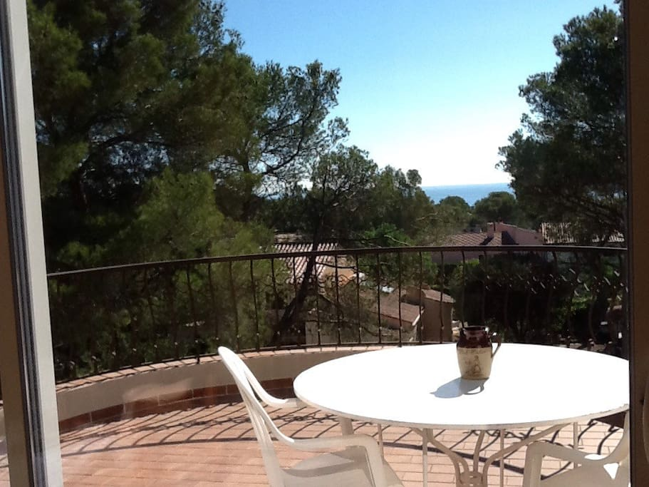 St Raphael Studio 7mn 224 Pied Plage Villas For Rent In