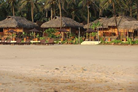 beach facing eco cottages - Villa