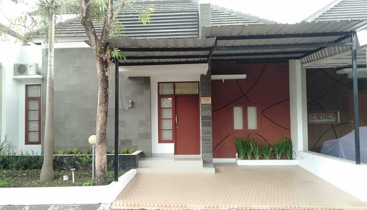 guesthouse/homestay jogja/sleman nyaman asri murah