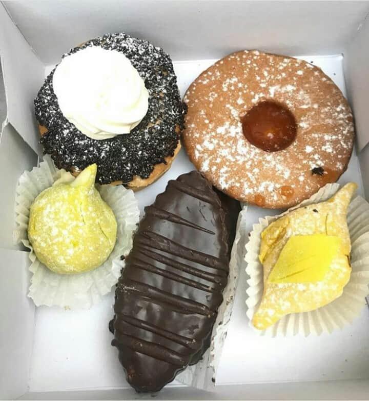 Tasty chez Driss cakes
