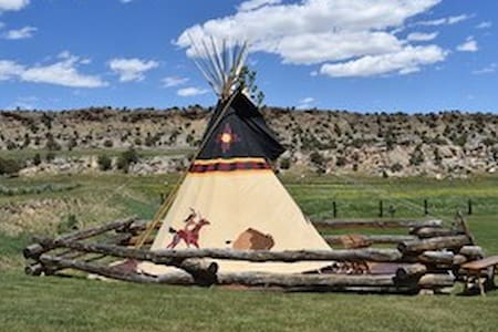 Sioux Tipi in Flaming Gorge at Rocky Ridge Outpost - Sleeps 6