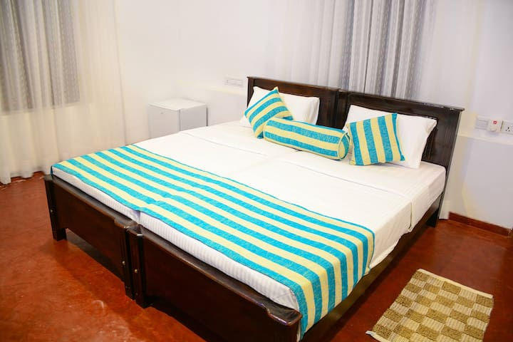 Galle My Bungalow Twin Double Bed