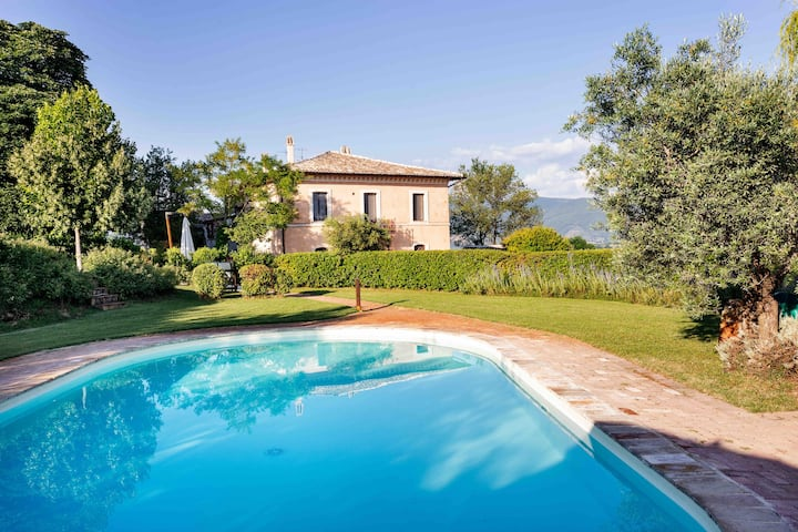 Villa & Cottage with Yoga Studio and Private Pool.