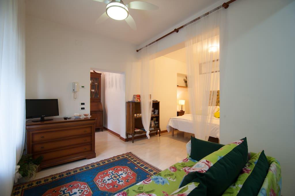 wohnung 40 qm f r 2 personen wohnungen zur miete in venedig venetien italien. Black Bedroom Furniture Sets. Home Design Ideas