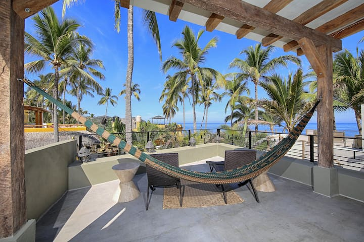Modern, New 4br Beachfront House, Surf out front - Sayulita - Appartement en résidence