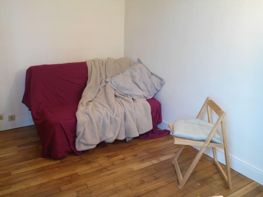 Canapé-lit replié