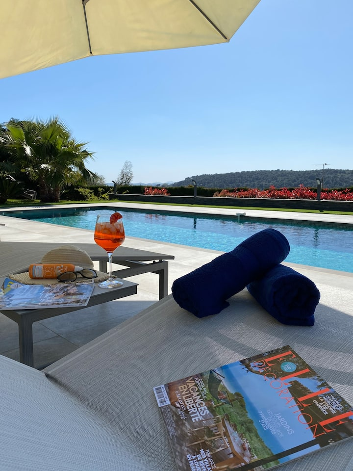 **AMAZING and modern house in VENCE**