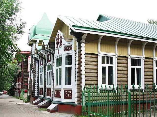 "Хостел ""Дом Охотника"" - Tomsk - Guesthouse"