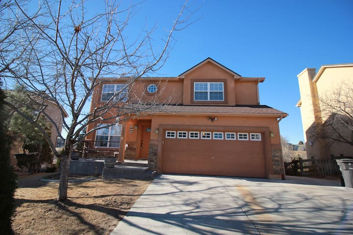 Large 5 Bed 3 Bath in Fountain, Co