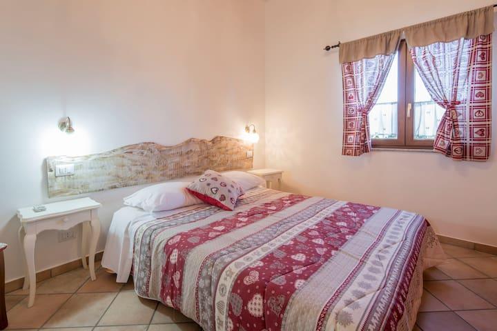 CHALET PER 5 PERSONE CON USO PISCINA - Province of Salerno - Stuga