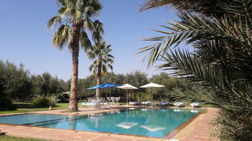 Douar Lain 1 Bed & Breakfast piscine chauffée