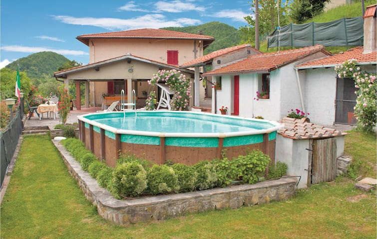 Holiday cottage with 5 bedrooms on 220m² in Vicchio FI