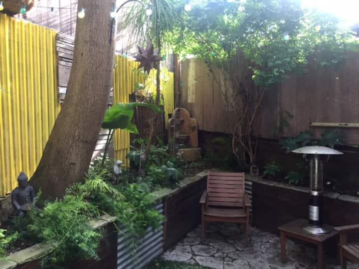Studio with beautiful garden