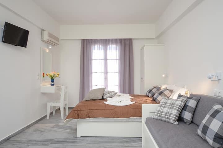 Soula Superior Triple Studio with 1 Sofa Bed Plus