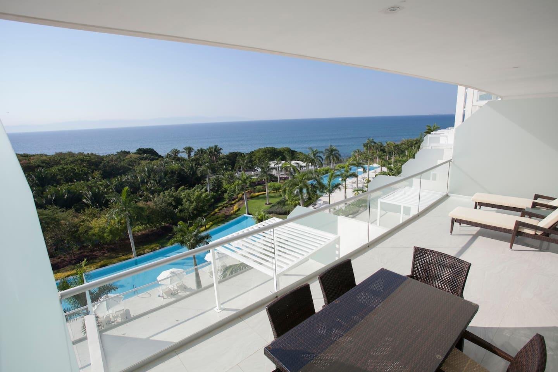 Vista de balcón / Balcony view