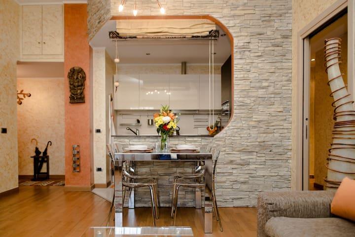 NEW! Porta Romana Appartamento Elegante per 3!
