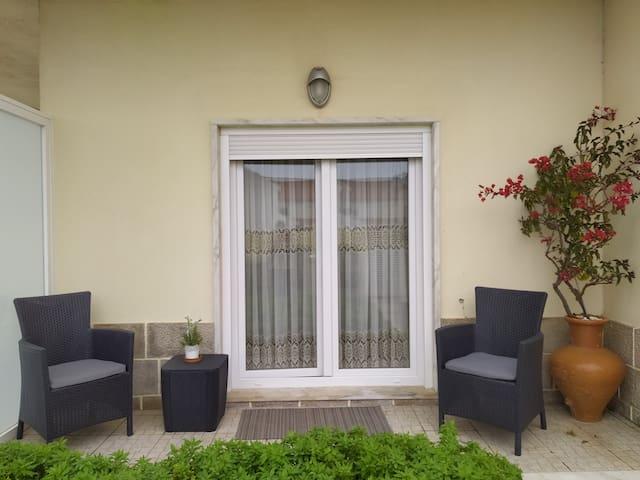 Consolação Beach/ Supertubos House