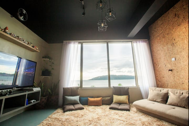 Homy Seafront Hostel Mixed Dorm #1【温馨海景背包客旅舍混合房】
