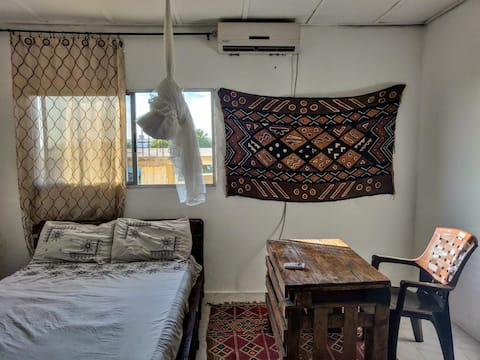 Central, Fully Equipped - Natural light & AC Room