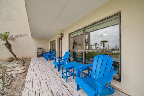 Ground floor beachfront 2 steps from amenities IV