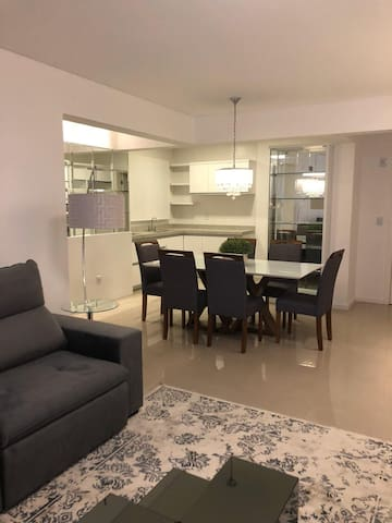 Apartamento novo e confortável na R Sepé