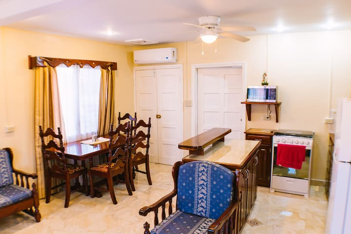 Spacious 2 bedroom Apt in downtown San Ignacio - San Ignacio