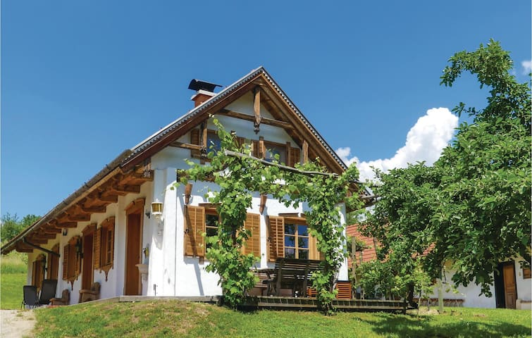 Holiday cottage with 2 bedrooms on 80m² in Strem