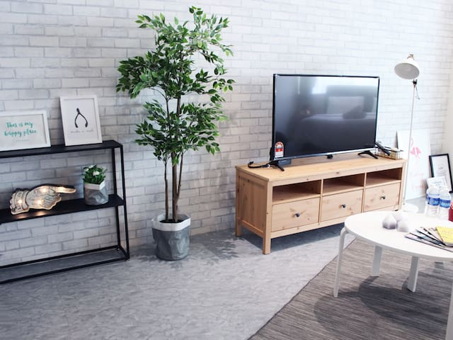 New Cozy OpenSpace Studio ( 3 pax )-BukitBintang