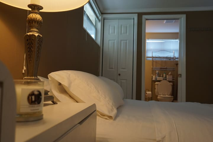 Affordable Private Master Bedroom - Palm Beach Gardens - House
